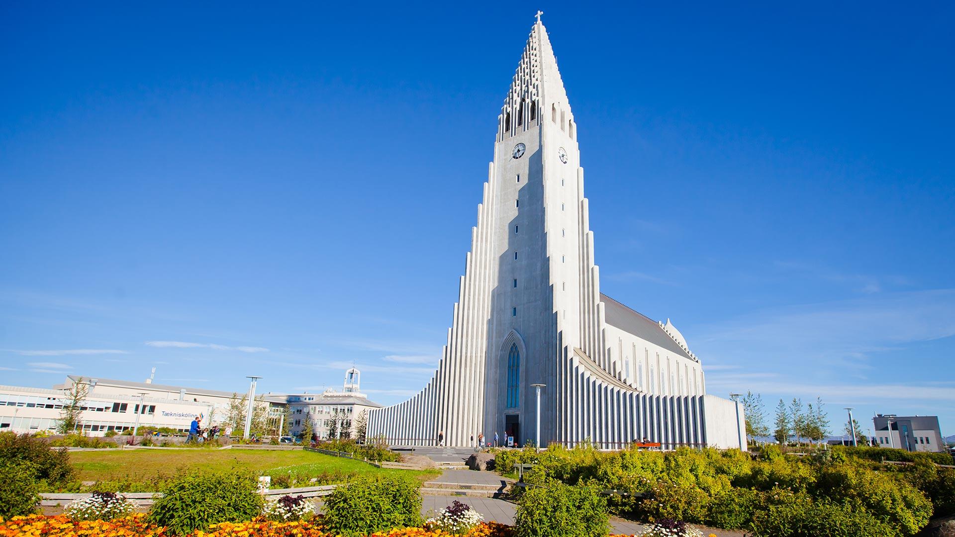 Hallgrímskirkja church : Reykjavik : Travel Guide : Nordic Visitor